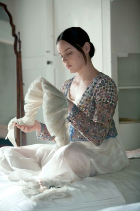 http://arttextstyle.files.wordpress.com/2009/11/029_bs_01239-abbie-cornish-as-fanny-brawne-in-bright-star4.jpg?w=290&h=436